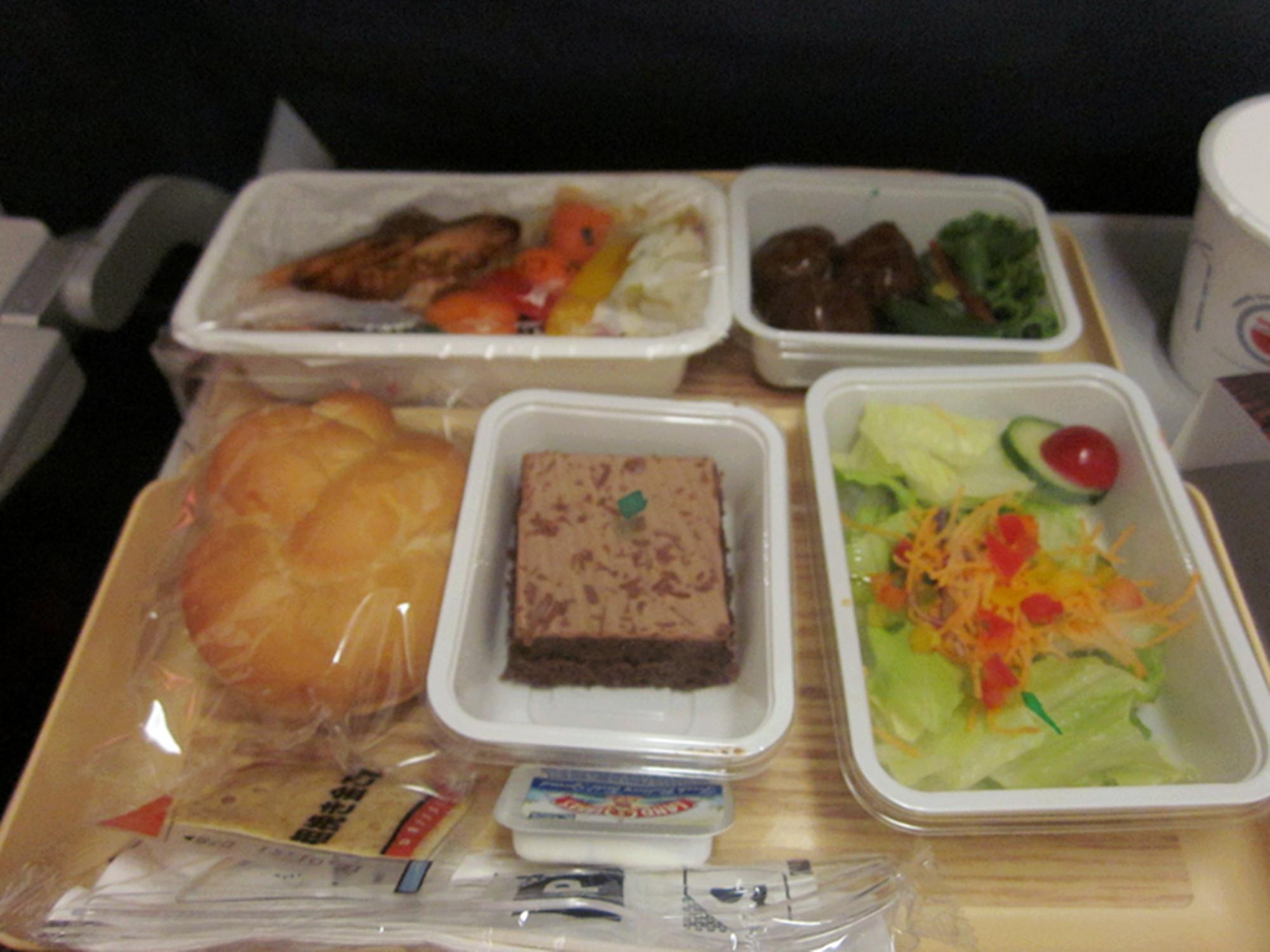 美国飞机上的午餐很丰盛