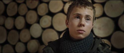 狩猎jagten--孩子的谎言            小女孩你一说谎脸部就有特别表情图片